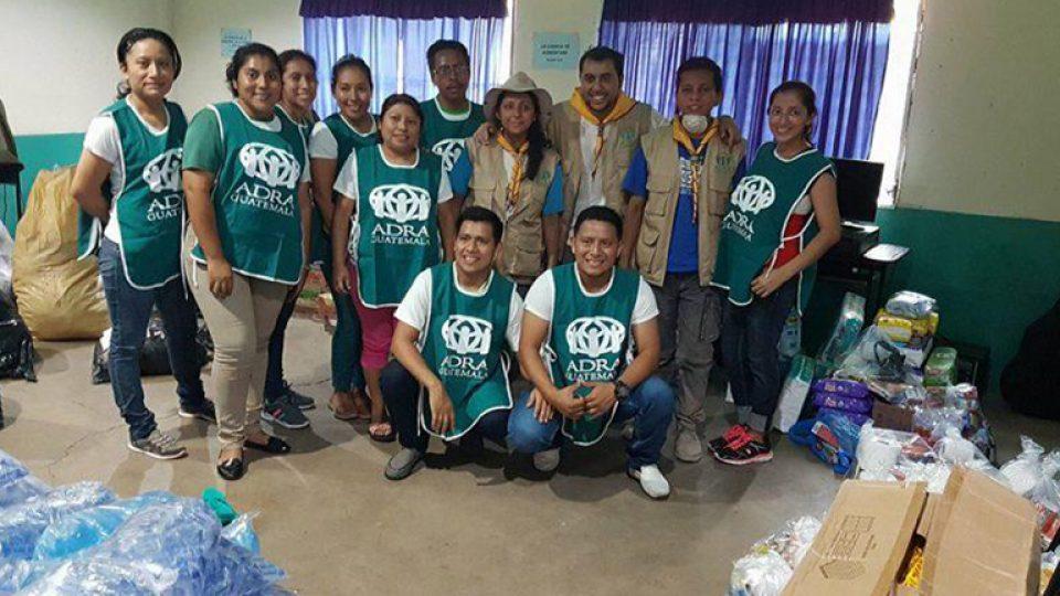 guate-adra-volunteer-group-768×432