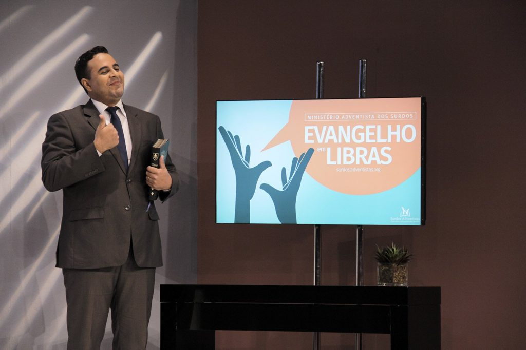 Evangelibras-expande-alcance-da-Biblia-aos-surdos2